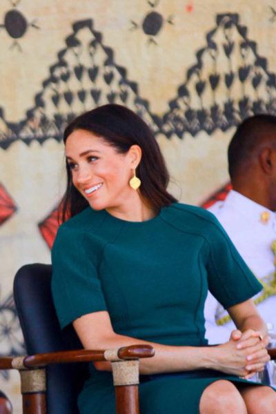 Meghan & Harry depart from Fiji